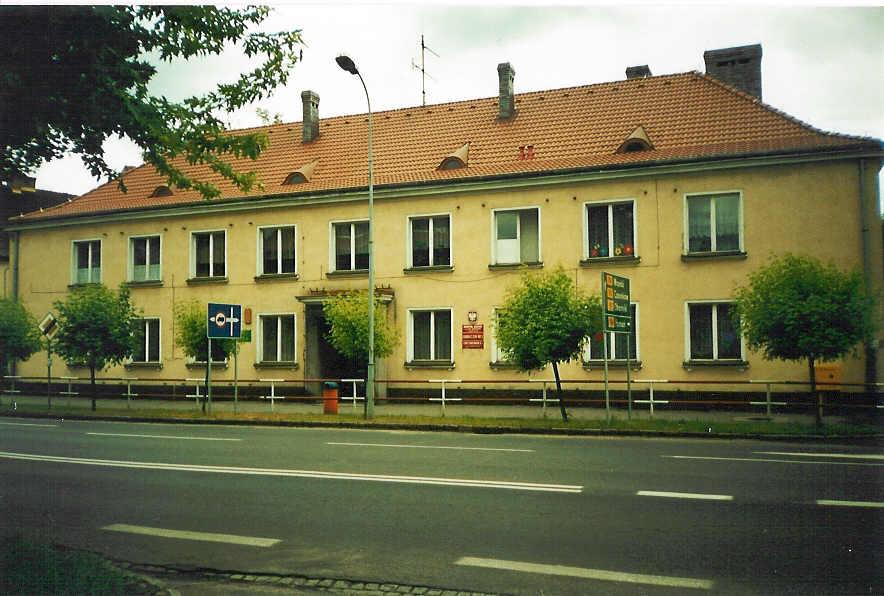 Siedziba szkoły przy ul. Wojska Polskiego 1 w latach 1990-2004